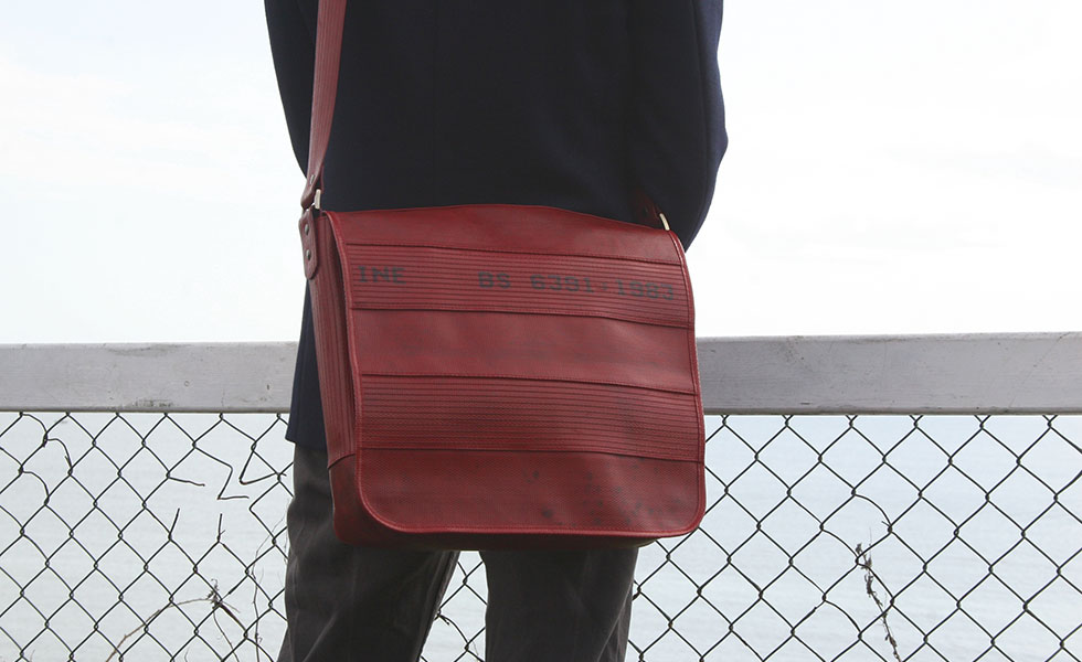 elvis and kresse ethically made messenger bag