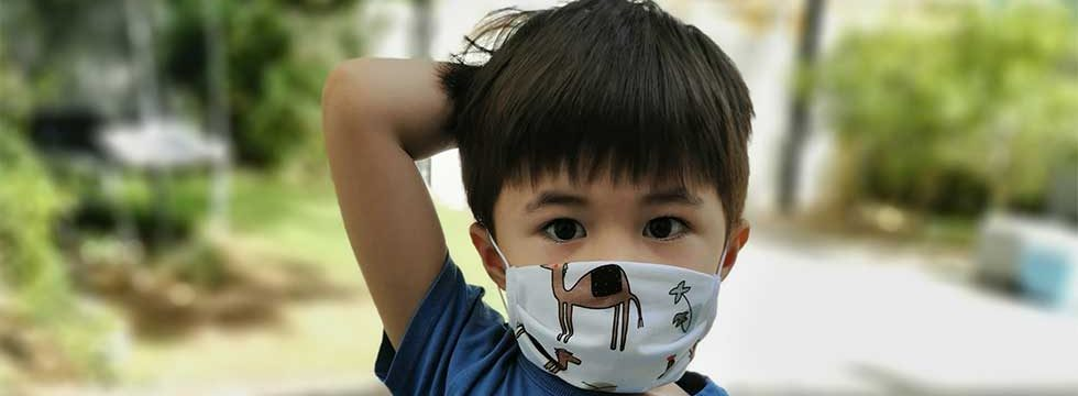 eddie wears organic cotton upcycled face mask in dubai